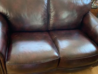 Leather Loveseat/Couch for Sale in Seattle,  WA