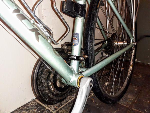 Velocity Ridgeback Womens road/commuter bike