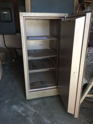 """Comercial safety box 24"""" inches wide, 28"""" inches deep, 48""""inches high, combination lock work perfect ,$450. Dollars for Sale in Los Angeles, CA"""