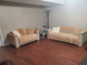 Sleeper Couch & loveseat & high quality couch covers and matching pillows for Sale in Martinsburg, WV