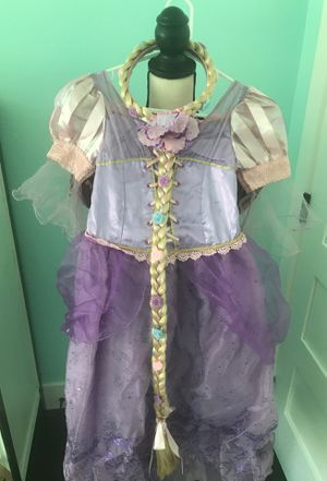 Disney store Rapunzel dress - girls size 7/8 (movie: Tangled) for Sale in Las Vegas, NV