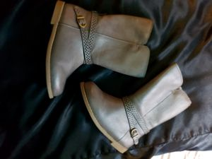Girls boots size 8 for Sale in Sedro-Woolley, WA