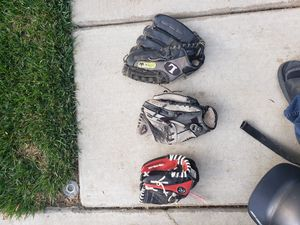Baseball gloves for Sale in Hughson, CA