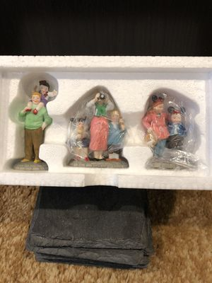 Disney Christmas Series, collectors item, Disney Parks Family, NEW IN BOX for Sale in Lake Elsinore, CA