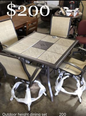 Outdoor height patio set for Sale in Dallas, TX