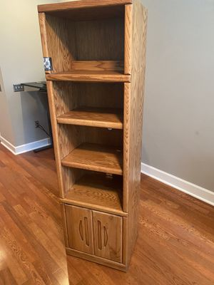 2 Bookshelves in Good Condition for Sale in Orlando, FL
