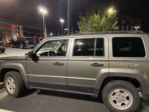 Jeep Patriot for Sale in Pittsburgh, PA