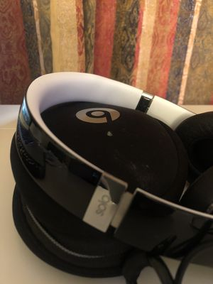Beats, Solo 2 Luxe Edition wired on-ear headphones for Sale in Cutler Bay, FL