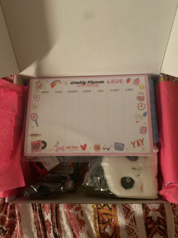 BRAND NEW CRATE FOR GIRLS!!