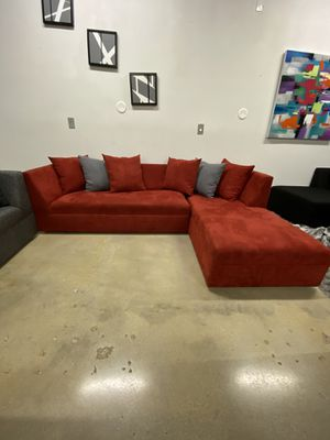 Modern sectional sofa couch for Sale in Davie, FL