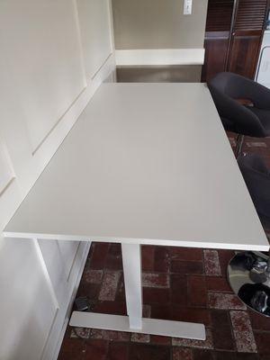 Large adjustable sit stand desk for Sale in Phoenix, AZ
