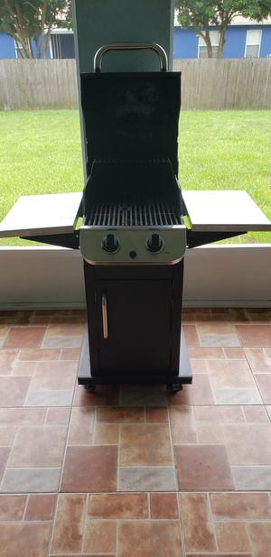 Charbroil 2 burner gas grill for Sale in Palm Bay, FL