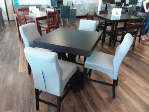 COUNTER HEIGHT DINING TABLE AND FOUR CHAIRS for Sale in Allen, TX