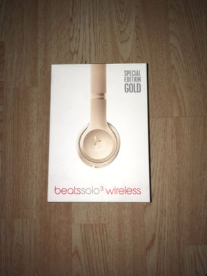 Beats solo 3 wireless special edition 'GOLD' color for Sale in Weldon Spring, MO