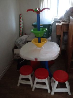 Kids Step 2 activity table and 3 stools for Sale in Lodi, CA