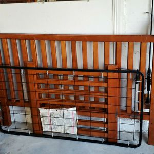 Crib And Changing Table Free for Sale in Sun City Center, FL