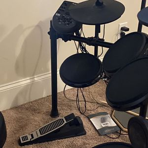 Alesis Electronic Drum Set for Sale in Conyers, GA