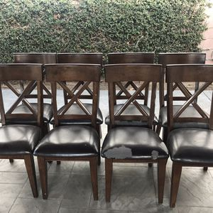 Brown Costco Dining Table w/ Leaf Extension and 8 Chairs for Sale in West Covina, CA