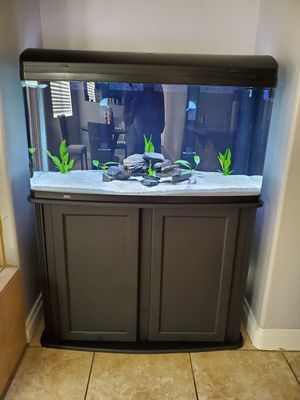 75 gallon fish tank bow front aquarium for Sale in Hemet, CA