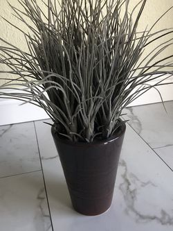 """Decorative Silk Grass Plant - 17 x 6"""" for Sale in Fort Lauderdale,  FL"""