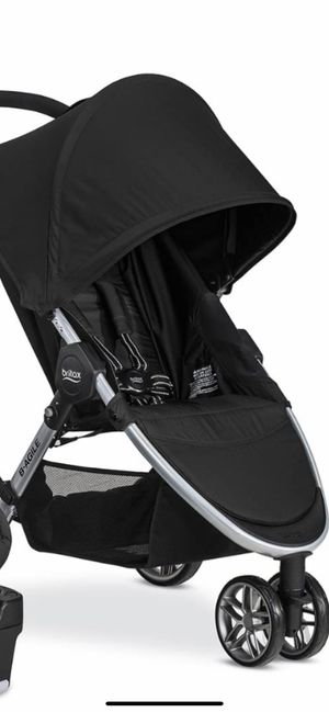 Britex B Agile stroller -with stroller and car seat (2car bases) for Sale in Knoxville, TN