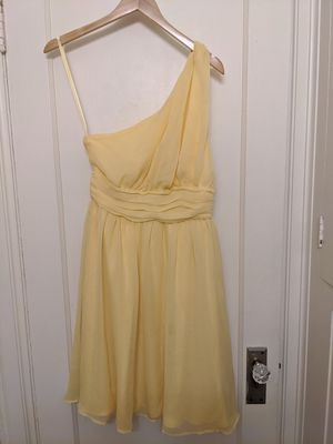 Tevolio Off One Shoulder Size 8 (fits like 6) Yellow Cocktail Dress for Sale in Seattle, WA