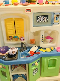 Little Tikes Kitchen With Stuff for Sale in Lynnwood,  WA