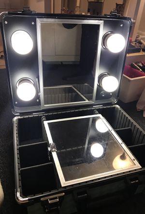 Lola v vanity makeup box for Sale in Inglewood, CA