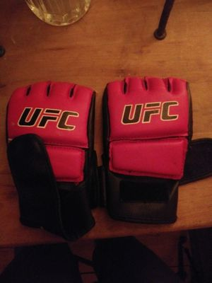 Womens UFC gloves for Sale in Los Angeles, CA