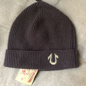 True religion knit hat for Sale in Oxon Hill, MD