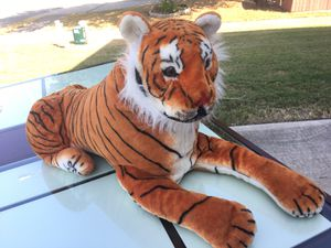 3 Ft. Tiger Stuffed Animal for Sale in Pflugerville, TX