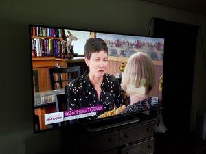 Vizio 80 inch smart tv for Sale in Mount Pleasant, IA