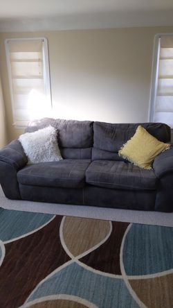 Recliner and Sofa Combo for Sale in Cleveland,  OH