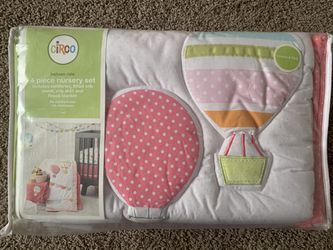 4 Piece Nursery Set  for Sale in Victorville, CA