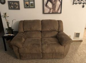 Brown Reclining Couch for Sale in Tacoma, WA