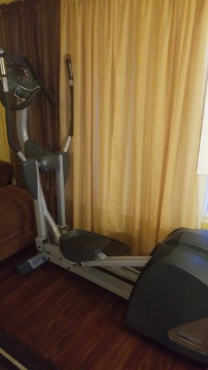 NAUTILUS NE 3000 ELLIPTICAL TRAINER for Sale in Los Angeles, CA