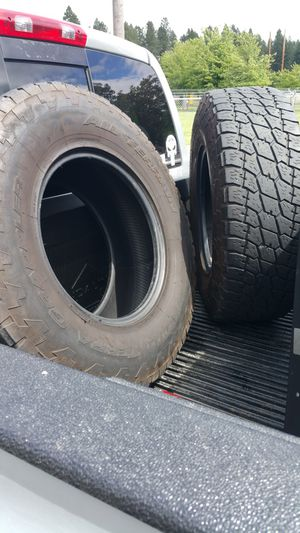 (2) Nitto Terra Grapplers 285/75r17 for Sale in Aurora, OR
