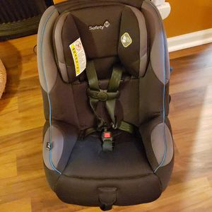 SAFETY FIRST CAR SEAT NEW ! for Sale in Indianapolis, IN