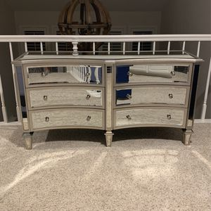 Dresser for Sale in Ladera Ranch, CA