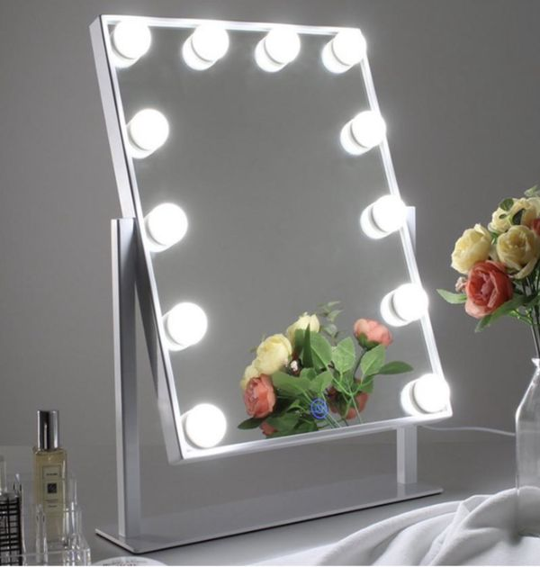 Hollywood Vanity Makeup Mirror ***credit cards accepted**