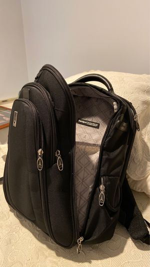Travel pro backpack almost new 20x18' for Sale in Fairfax, VA