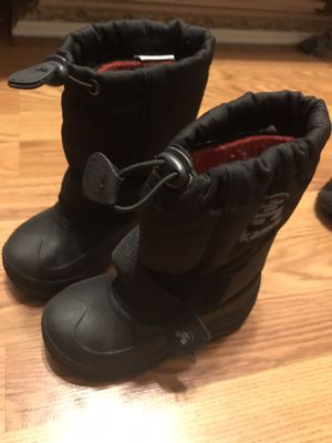 Snow boots kids size 9. Boys snow boots, girls snow boots for Sale in Lawndale, CA