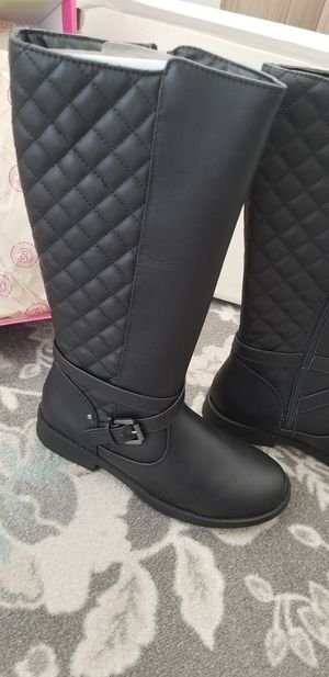 Girls boots size 3 for Sale in Rancho Cordova, CA