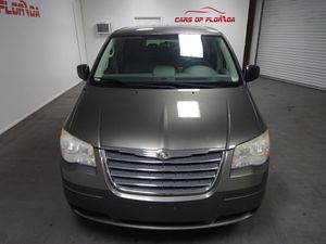2010 Chrysler Town & Country pristine condition needs nothing! Ice cold AC, tons of space. This is the one you're looking for! for Sale in Tampa, FL