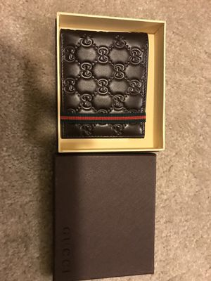 Gucci wallet for Sale in McDonogh, MD