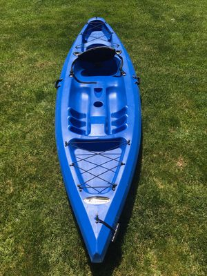 Discovery 10 foot Kayak for Sale in Queens, NY