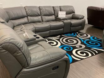 SALE!!! Madrid Gray Reclining Sectional Sofa. No Credit Needed Financing. Same Day Delivery 🚚!!! for Sale in Tampa,  FL