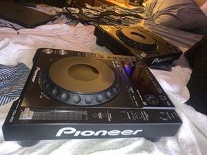 Dj mixers and turn table for Sale in Winter Haven, FL