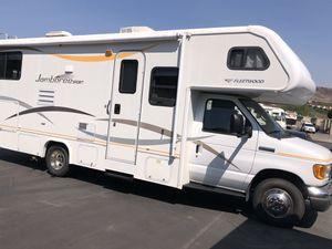 2007 Fleetwood Jamboree 27 Foot RV Camper Motorhome for Sale in San Clemente, CA