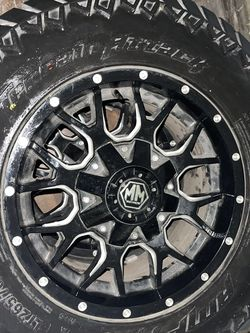 LT265/70R17 (3 Tires Available Only) for Sale in Chicago,  IL